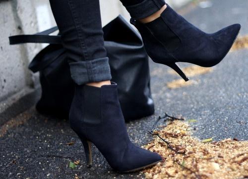 fold black-heels-ankle-boots-skinny